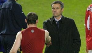 Jose Mourinho en pince pour Wayne Rooney.