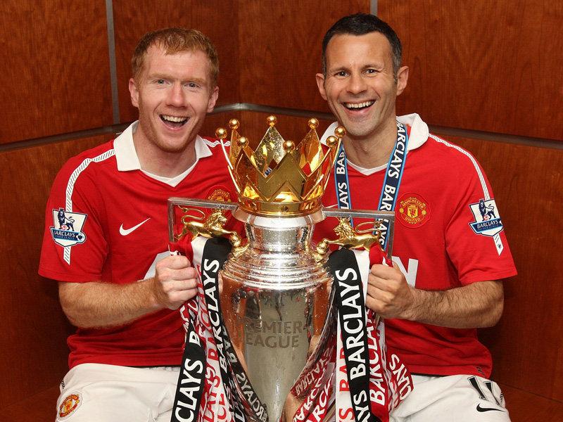 Paul Scholes et Ryan Giggs au chevet de Man Utd